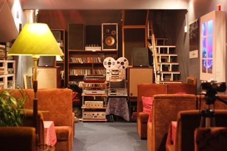 Chu C3 B4ng Gi C3 B3 Cafe 6  300x200 Chuông Gió   Chốn Bình Yên