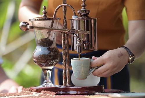 Cà phê voi Thái là loại thức uống hảo hạng được săn đón.