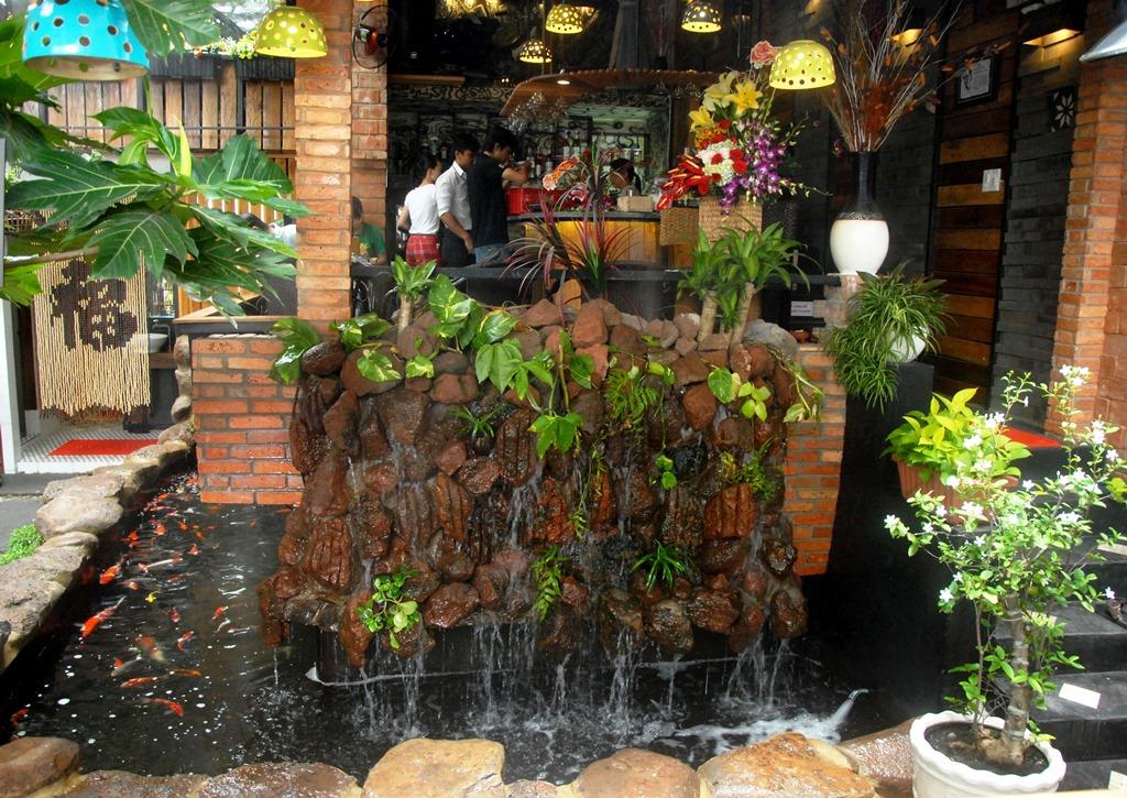 Quán cafe được thiết kế hài hòa, đẹp mắt